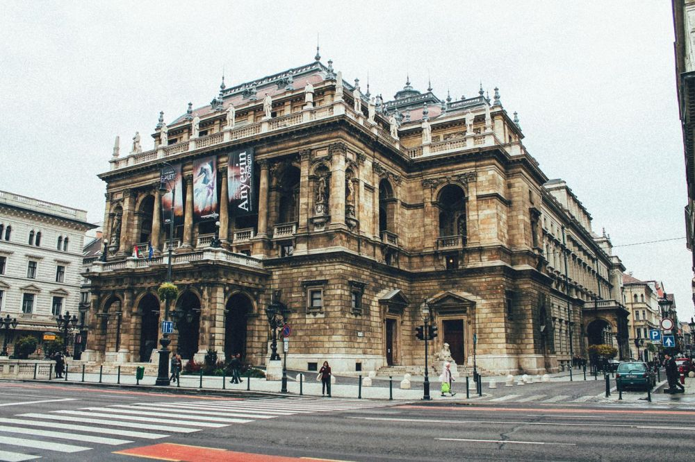 Exploring Budapest In The Day! (5)