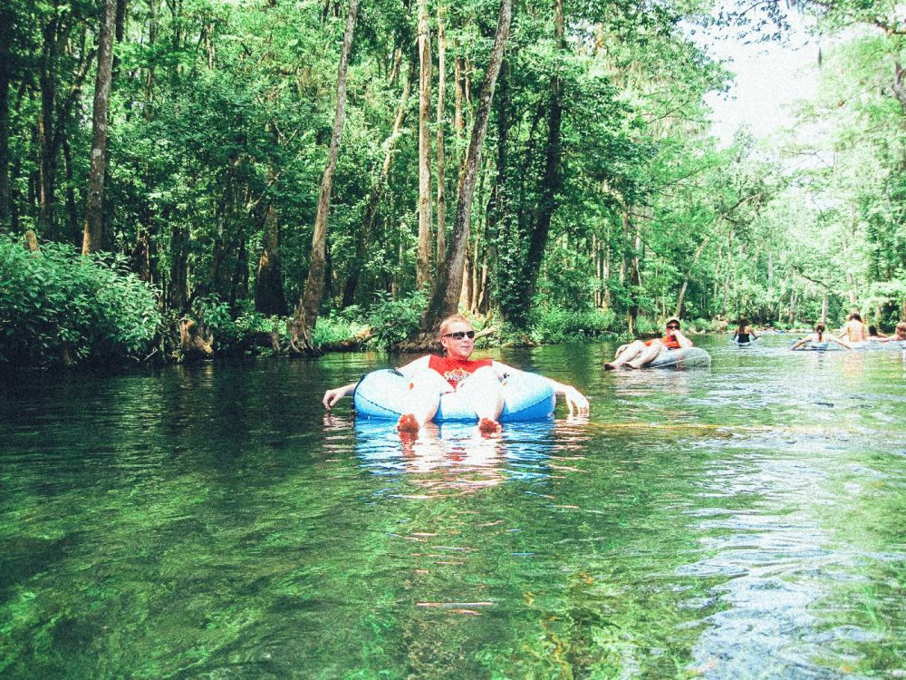 1 Thing You Have To Do In Florida! Tubing Down Ichetucknee River (7)