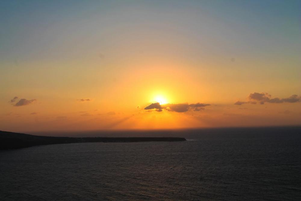 Sunrise To Sunset in Oia and Fira in Santorini, Greece! (22)