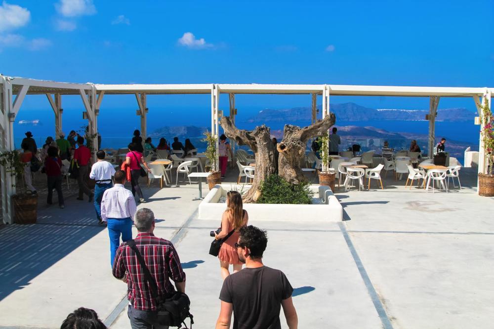 Going Off The Beaten Track in Santorini... (20)