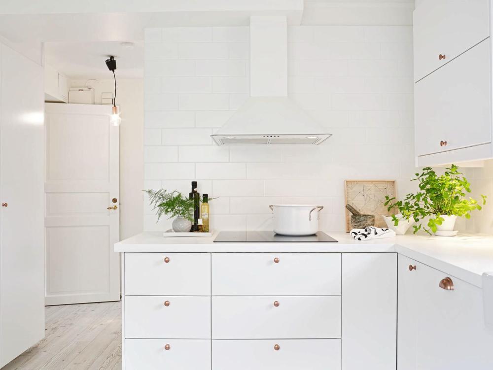 20 Amazingly Beautiful White Homes To Draw Inspiration From! (6)