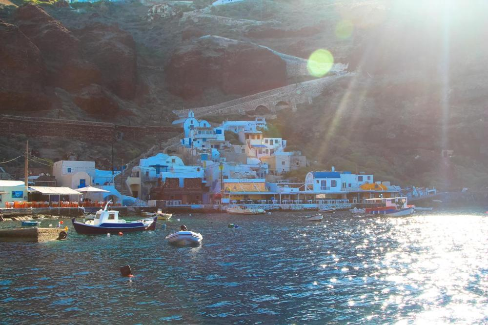 Things To Do When Sailing Around Santorini... (2)