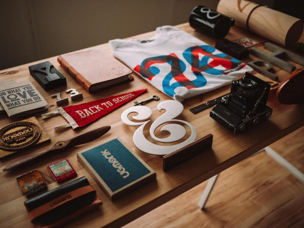 Home Workspace Inspiration by Jeff Sheldon on Hand Luggage Only Blog (1)