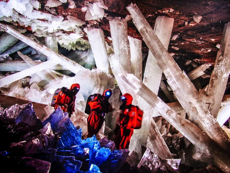 12 Impressive Caves Around The World You Need To See! (15)