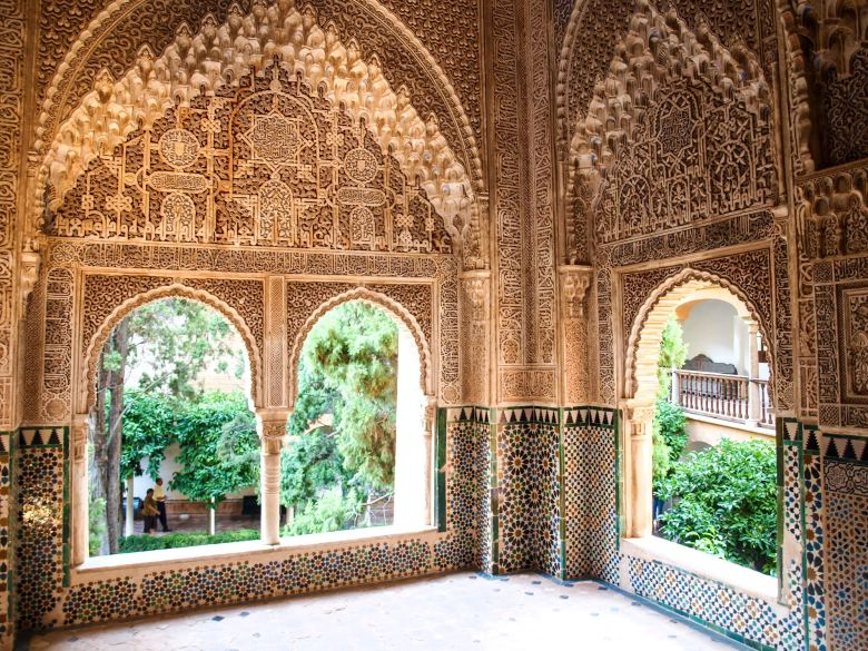 Travel Spotlight: 9 Reasons Why You Should Visit Alhambra in Spain! (2)