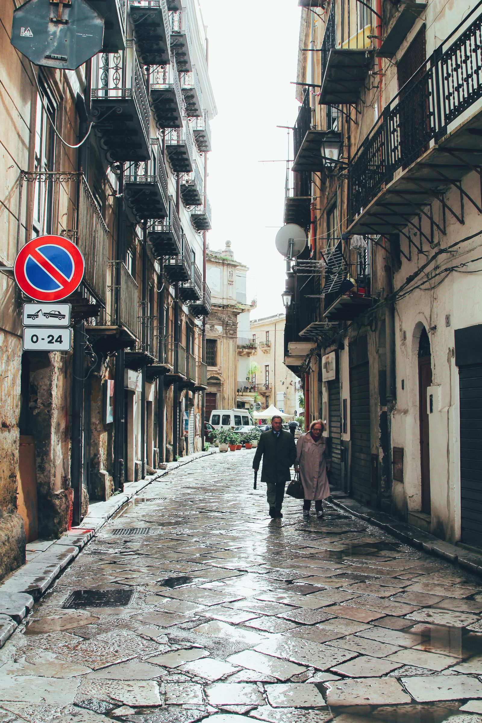 Here is What To Do When It is Raining Cats And Dogs in Palermo, Italy! (20)