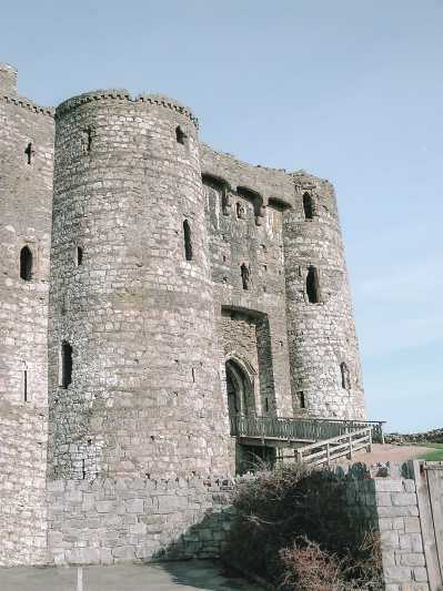 15 Best Castles In Wales To Visit (26)