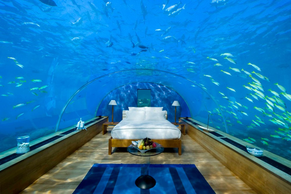 4 Amazing Underwater Hotels You Need To Stay In! (6)