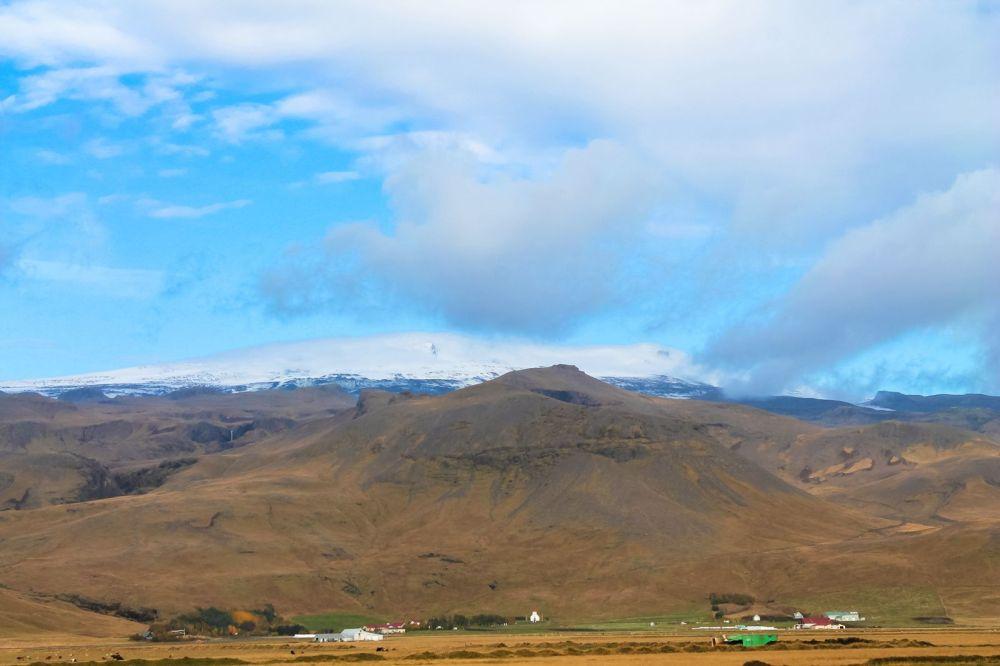 The Northern Lights, Eyjafjallajökull And Þingvellir National Park (3)