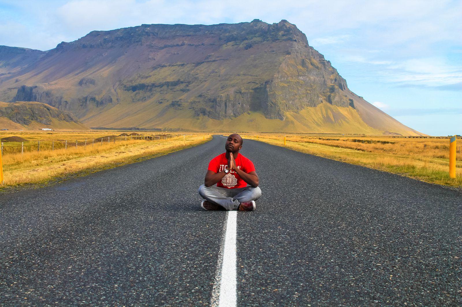 The Northern Lights, Eyjafjallajökull And Þingvellir National Park (1)