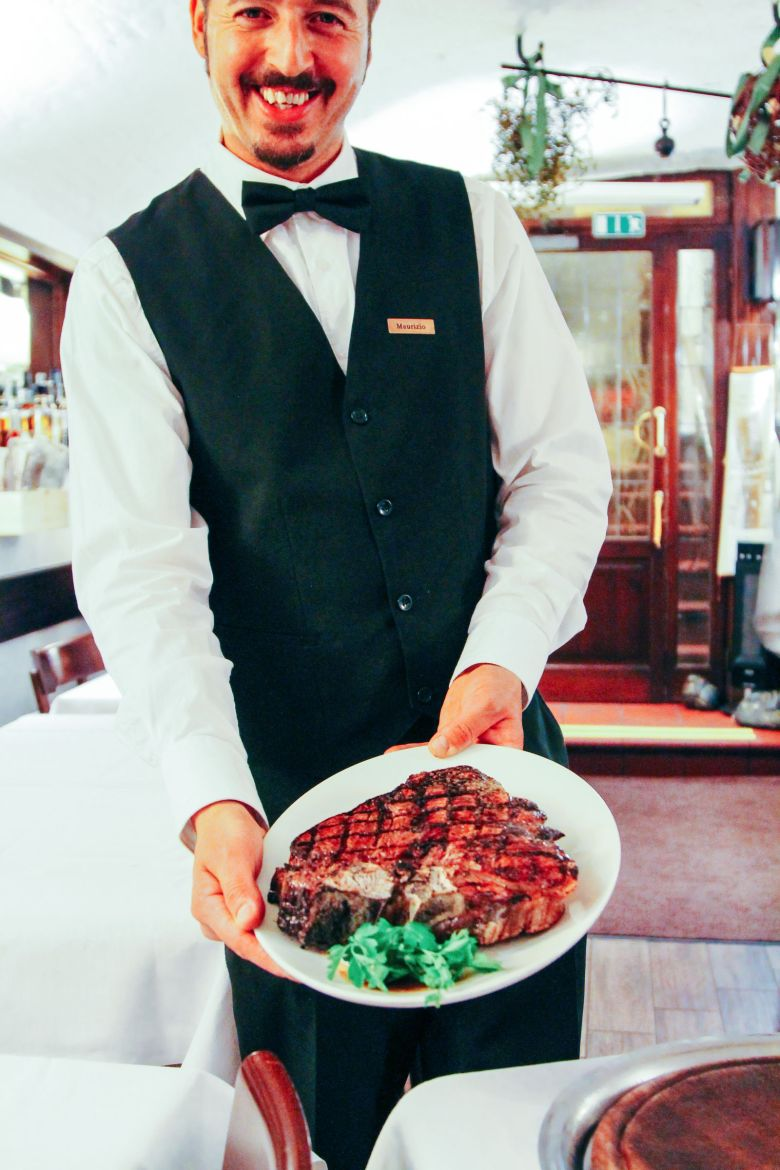 Arriving in Florence and Steaks at Bucca Marios! (9)