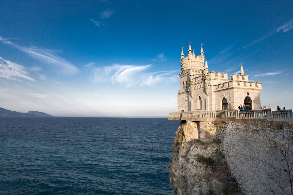 Off The Beaten Track - Swallows Nest, Castle... (2)