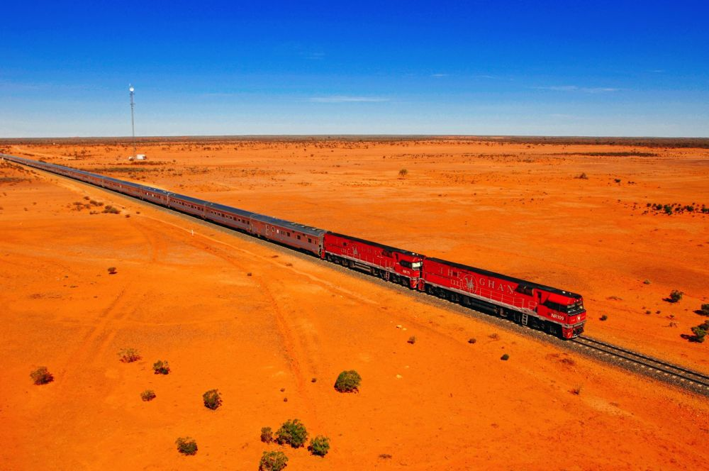 The 15 Most Beautiful Train Journeys Across The World You Have To Travel On! (40)