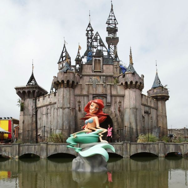 How To Visit Bansky's Dismaland Themepark! (And Where To Get Tickets) (28)