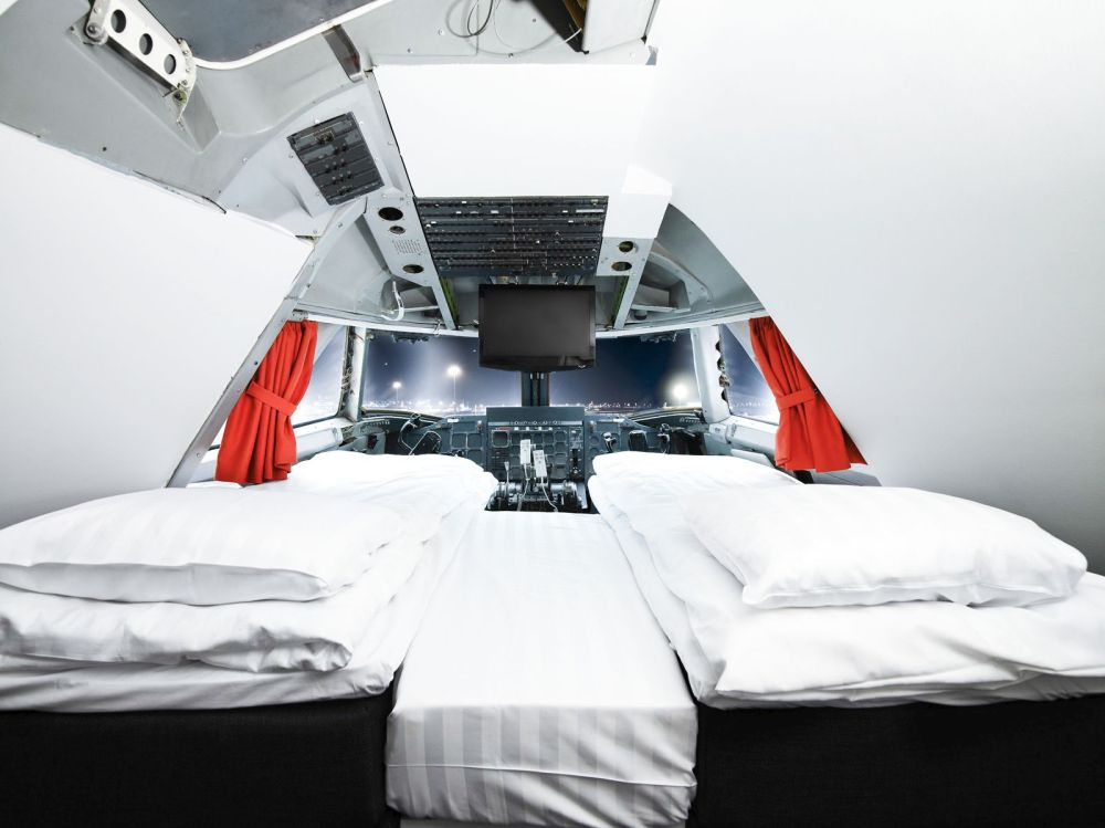 Ever Wanted To Stay In A Jumbo Jet? Now Is Your Chance! (1)