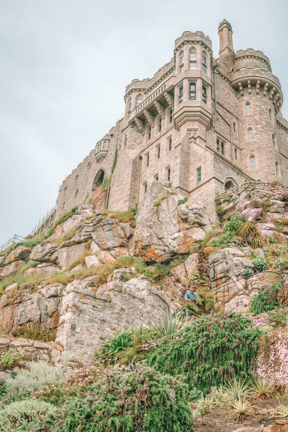 7 Best Manors And Castles In Cornwall To Visit (4)