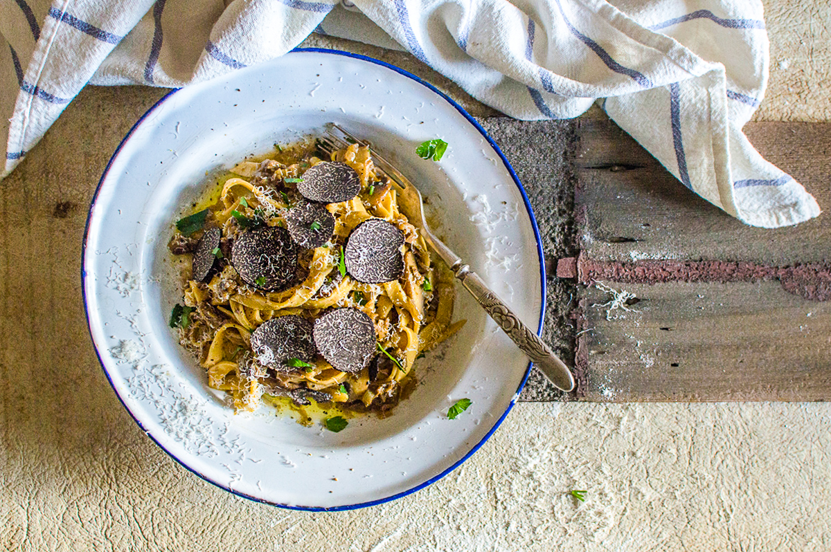 Everyday I'm Truffling: Where To Go Truffle Hunting In Britain (3)