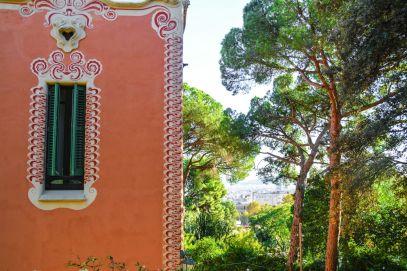 6 Must See Buildings By Gaudi In Barcelona (33)