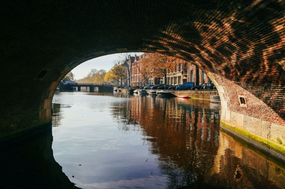Exploring Amsterdam's Canal (By Driving A Boat For The First Time!) (5)