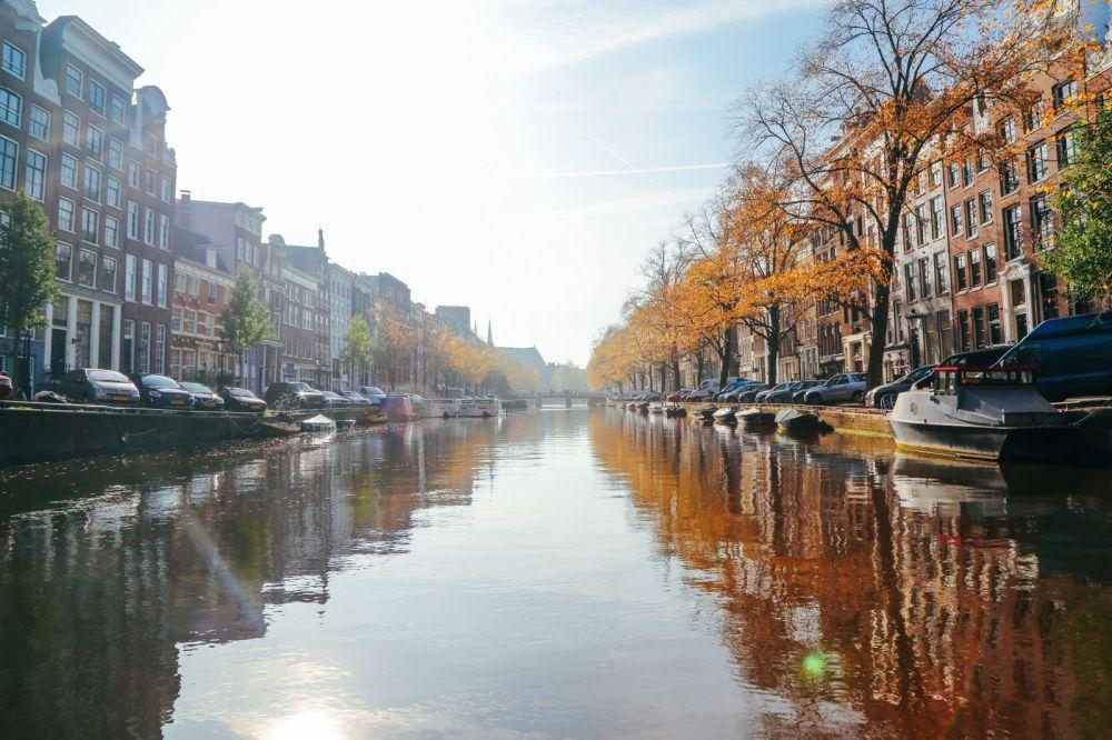 Изучение Амстердамского канала (впервые за рулем!) (9) Куда улететь на выходные? Куда улететь на выходные? IMG 39911