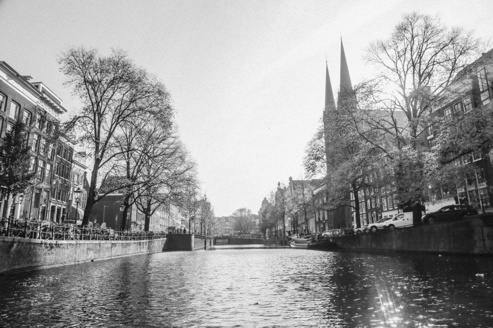 Exploring Amsterdam's Canal (By Driving A Boat For The First Time!) (11)