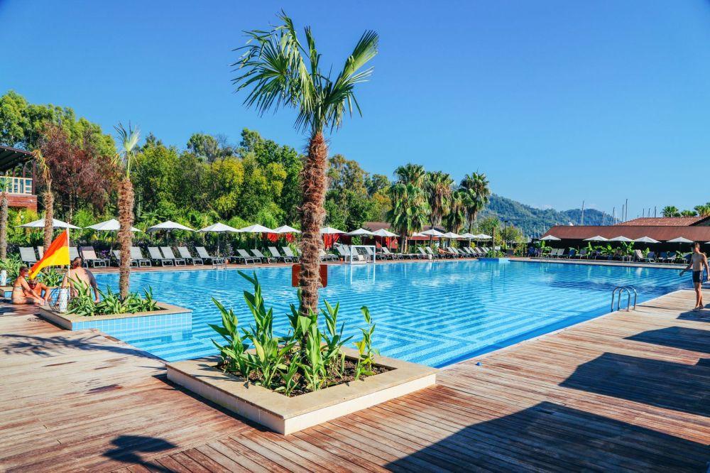 Arrival In Dalaman, Turkey... And A Secret Beach! (15)