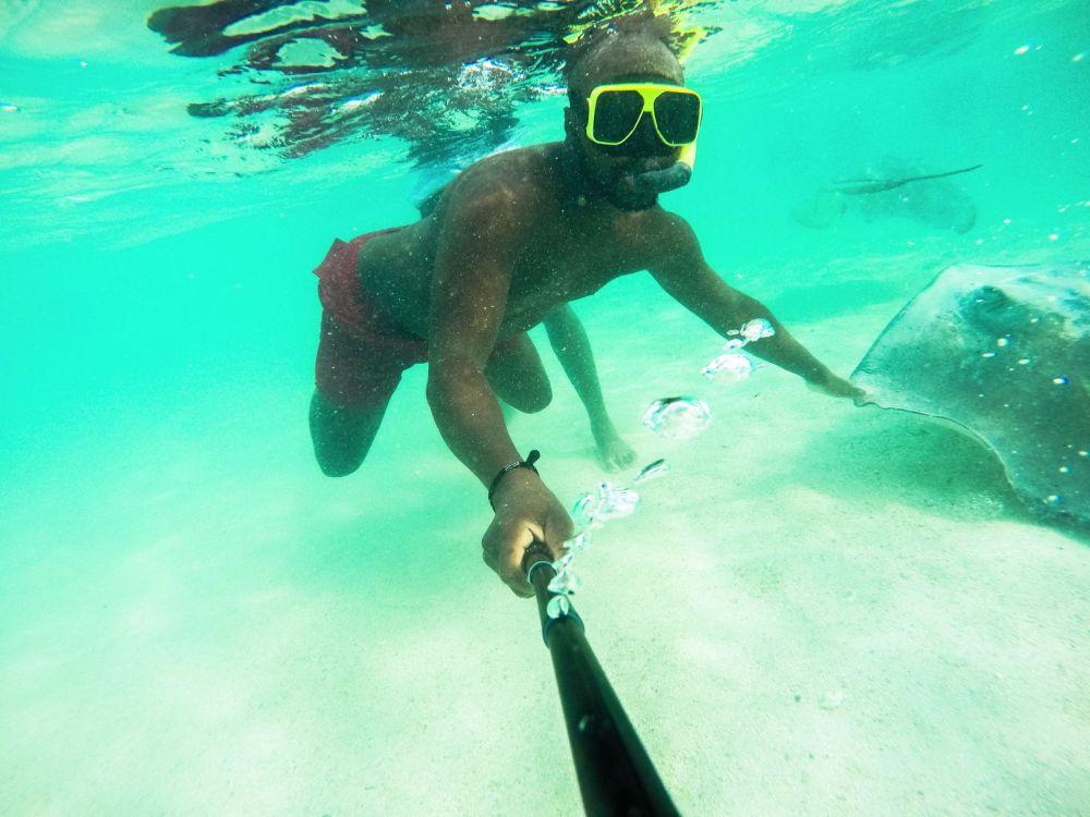 How To Swim With Wild Stingrays In Antigua (33)