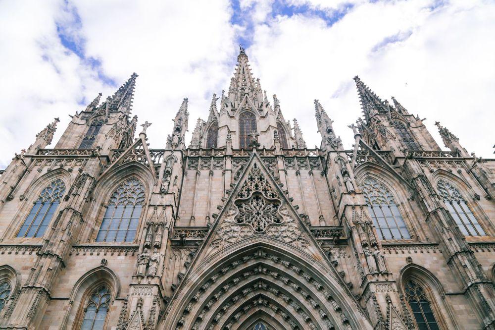 Arrival In Barcelona, Spain (2)