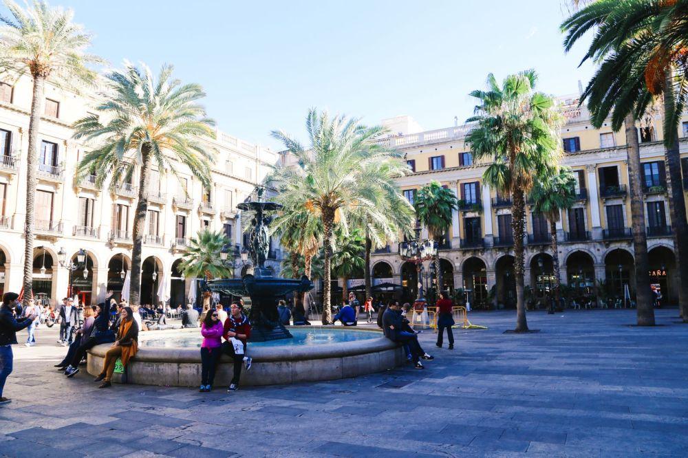 Arrival In Barcelona, Spain (23)