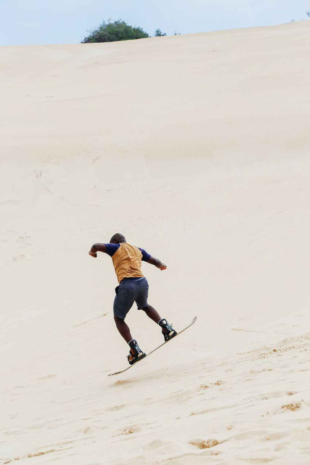 What It's Like To Try Sandboarding For The Very First Time! (26)