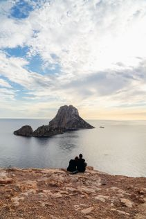 The Best Place To Watch The Sunset In Ibiza AND Where To Go For An Amazing 10 Course Gourmet Dinner! (9)