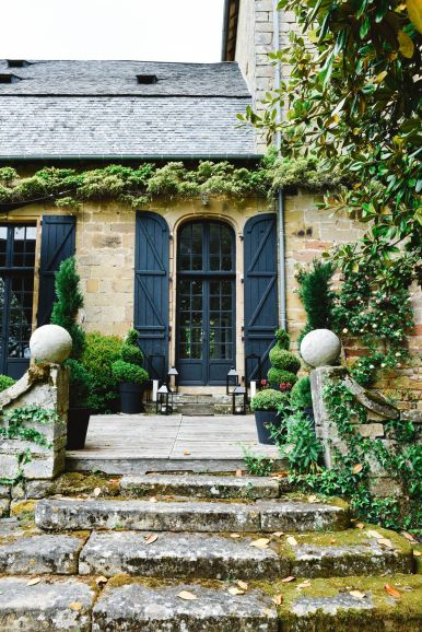 Exploring Château de Lissac In The Dordogne Valley Of France (38)