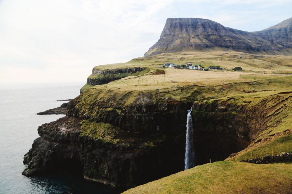 The Most Amazing Waterfall In The Faroe Islands! (20)