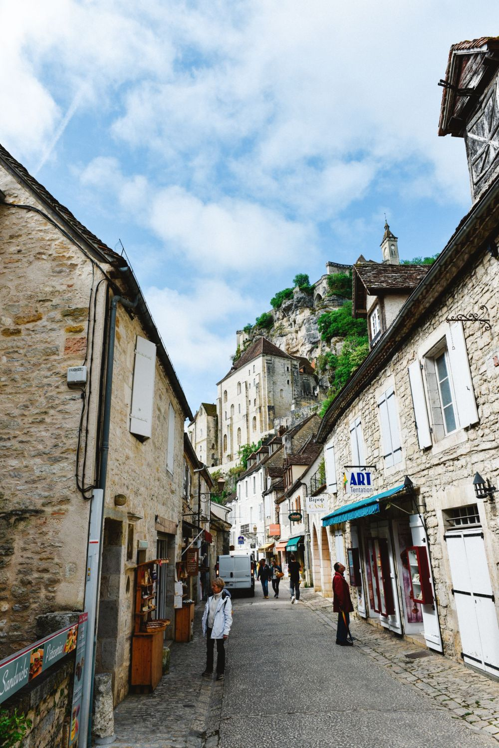 This Is The Most Dramatic Village In France - Rocamadour (13)