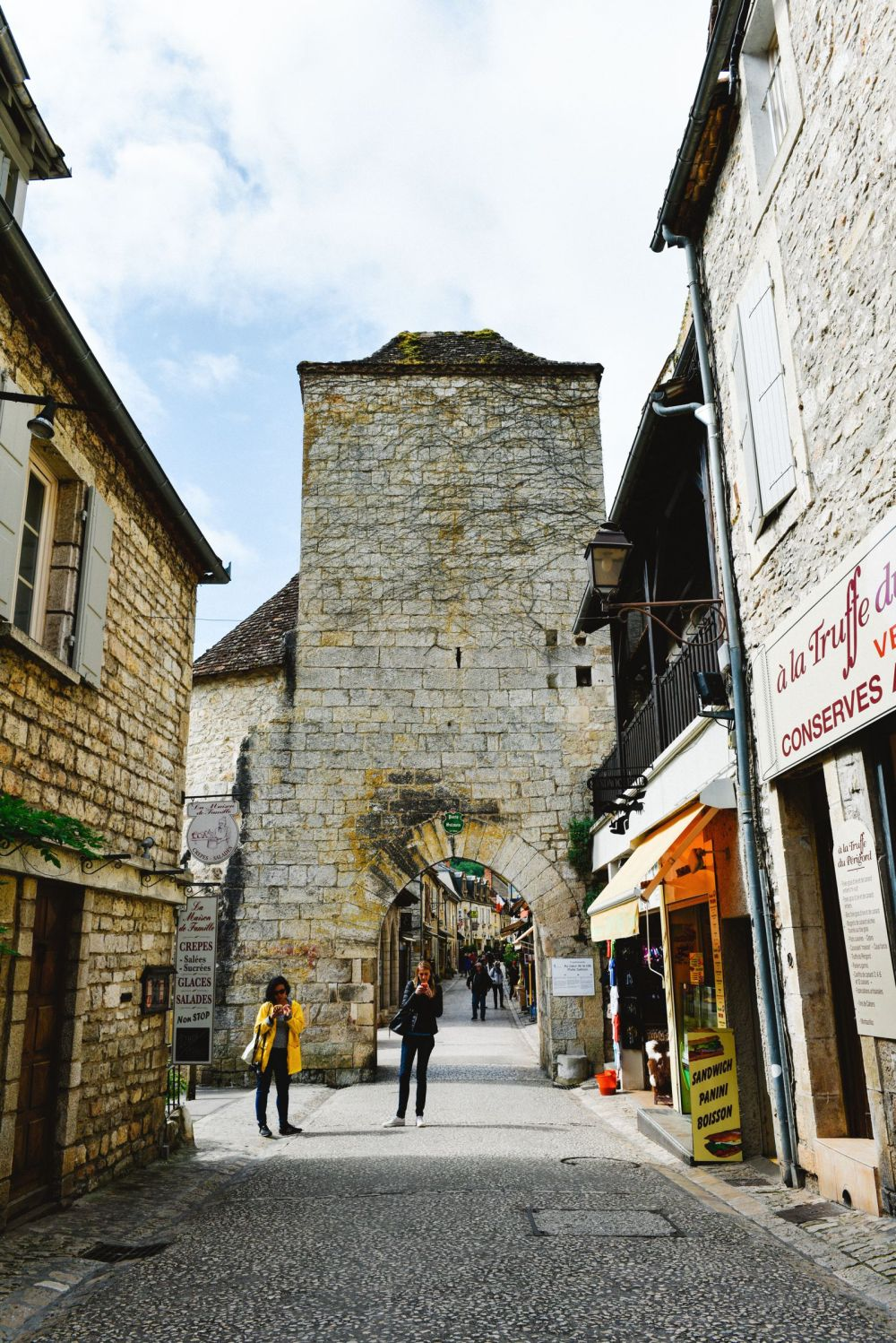 This Is The Most Dramatic Village In France - Rocamadour (15)