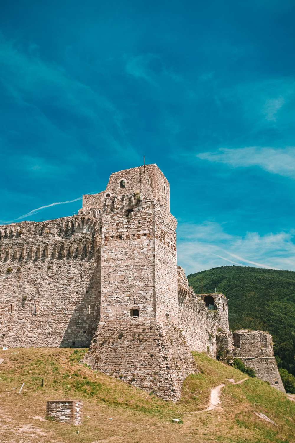 10 Very Best Castles In Italy To Visit (16)