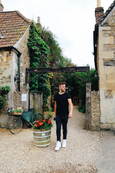 Inside The Beautiful Cotswolds Village Of Lacock... (21)