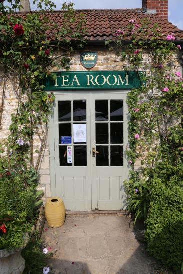 Inside The Beautiful Cotswolds Village Of Lacock... (3)