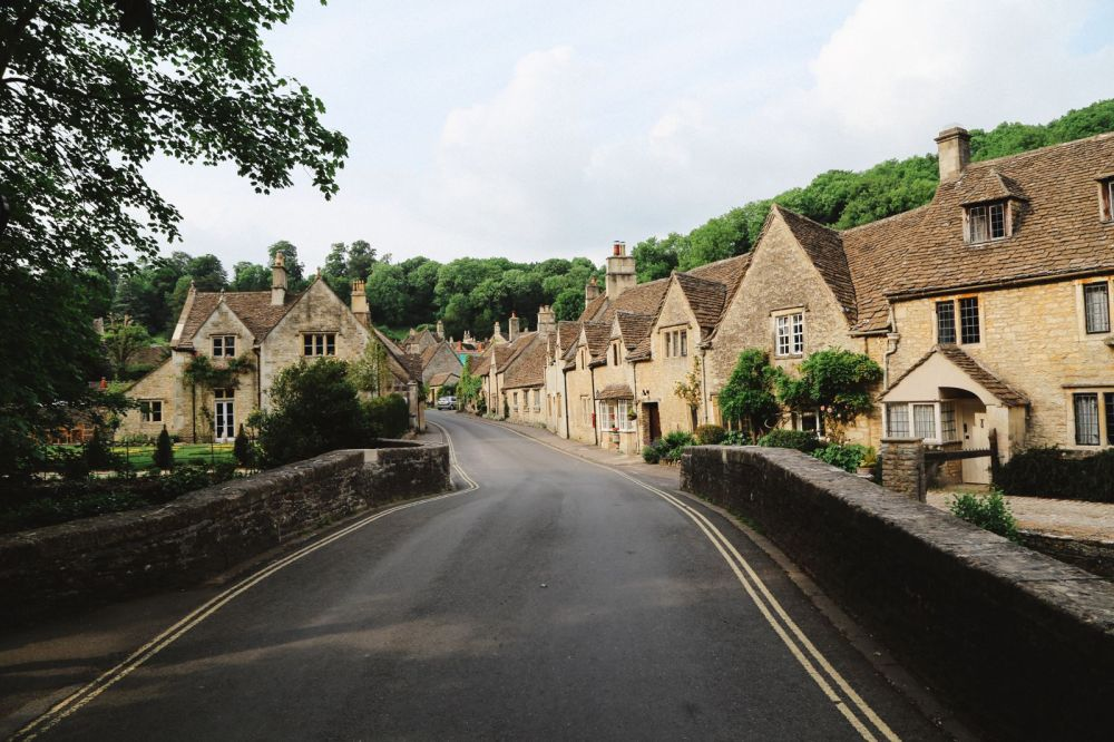 Exploring One Of England's Most Beautiful Villages - Castle Combe (25)
