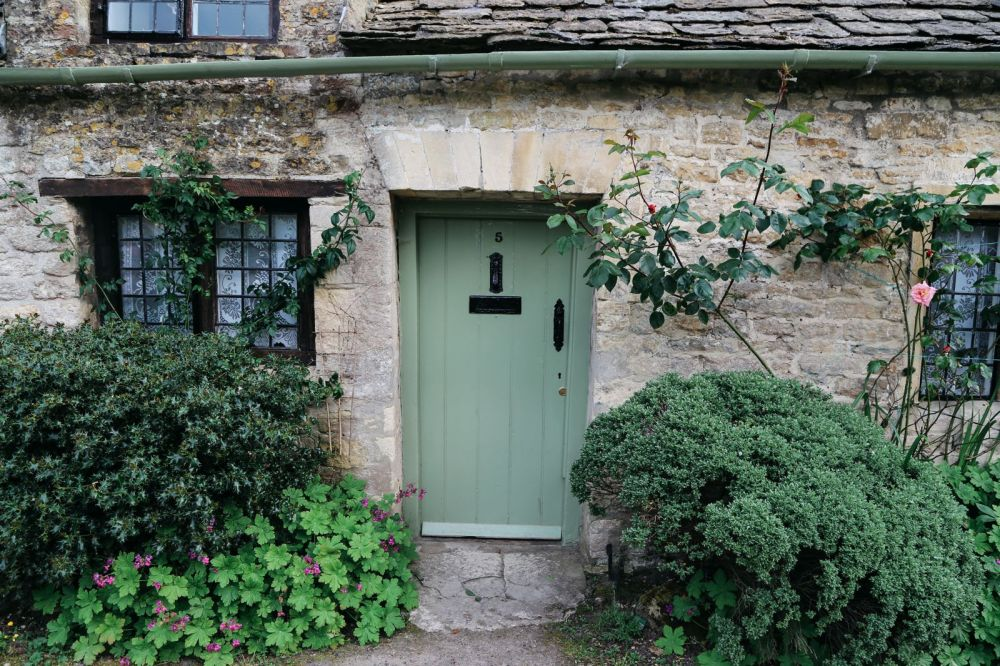 In Search Of The Most Beautiful Street In England - Arlington Row, Bibury (20)