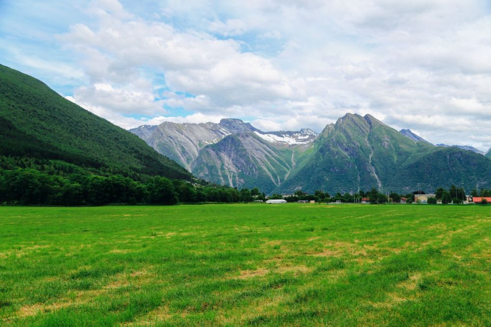 Alesund To Solavågen To Festoy To Leknes To Oye... One Of Norway's Most Scenic Driving Routes (17)