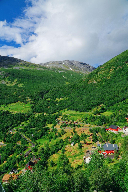 Exploring Storseterfossen Waterfall - A Waterfall In Norway You Can Walk Behind! (1)