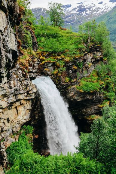 Exploring Storseterfossen Waterfall - A Waterfall In Norway You Can Walk Behind! (19)