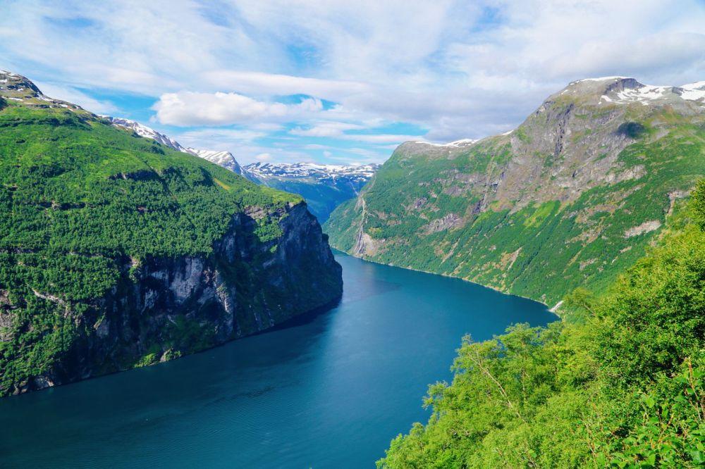 Exploring Storseterfossen Waterfall - A Waterfall In Norway You Can Walk Behind! (32)