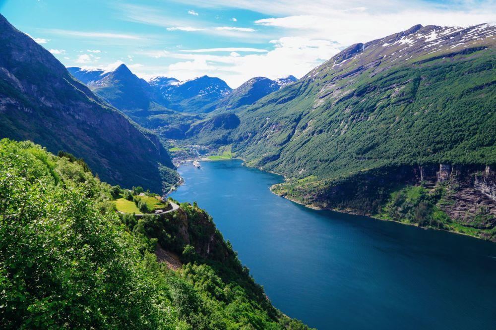 Exploring Storseterfossen Waterfall - A Waterfall In Norway You Can Walk Behind! (34)