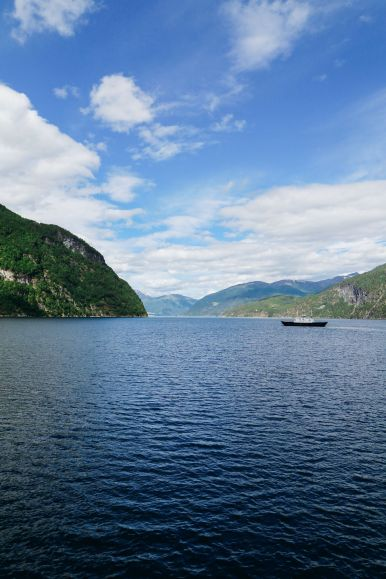 Exploring Storseterfossen Waterfall - A Waterfall In Norway You Can Walk Behind! (40)