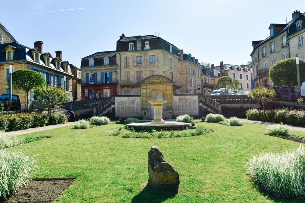Mornings In The French City Of Sarlat And Afternoons In The Village Of Beaumont-du-Périgord... (11)