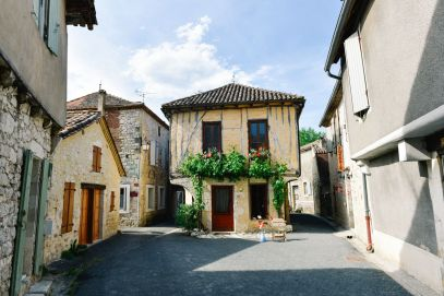 Charming Issigeac... The Medieval Village In France's Dordogne Valley (1)