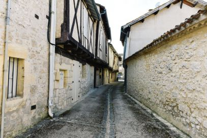Charming Issigeac... The Medieval Village In France's Dordogne Valley (24)