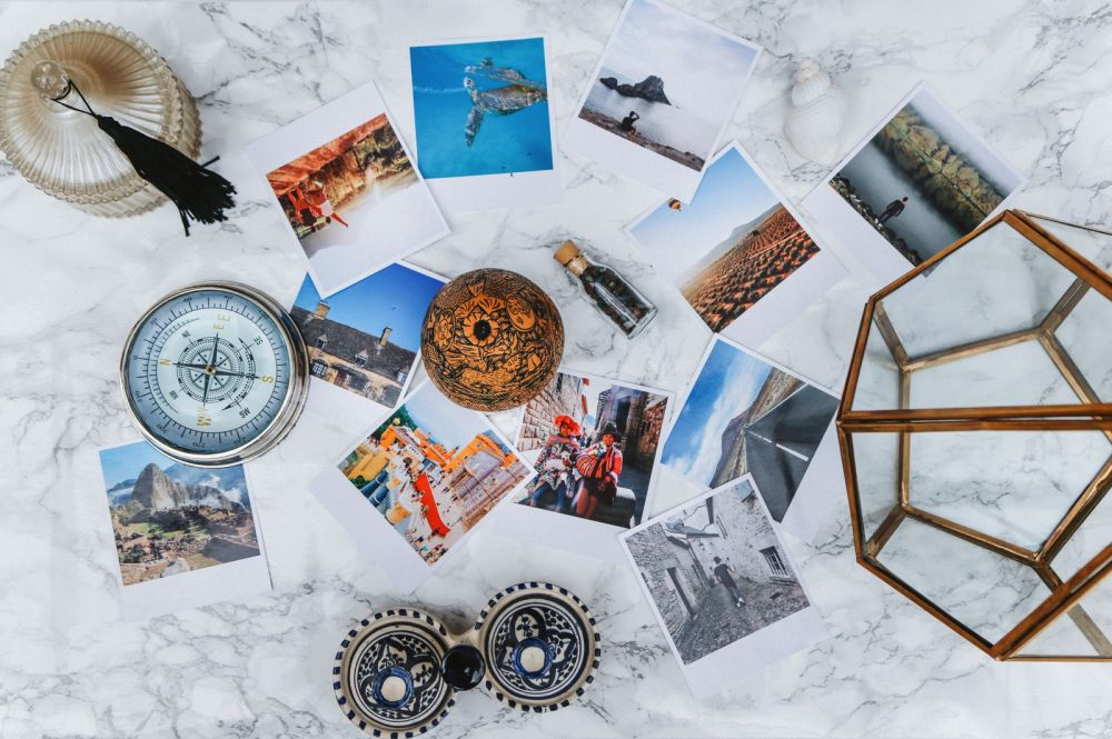 Here's A Really Fun Way To Show Off Your Travel Photos (3)
